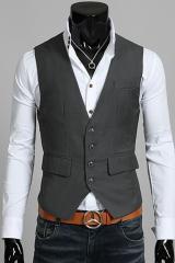 Серый жилет с карманами